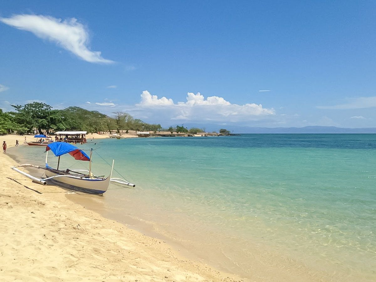 Burot Beach, Calatagan, Batangas. Filipinas